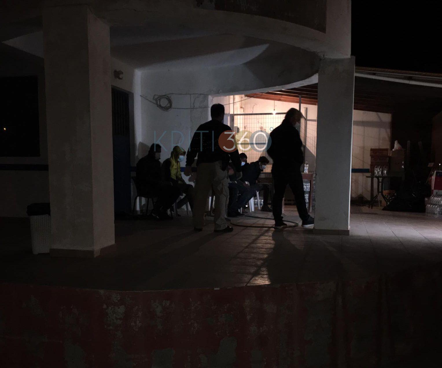 Βραδιά θρίλερ χθες στην Παλαιόχωρα – Στην κατασκήνωση του Καλαθά οι 152 πρόσφυγες (pics)